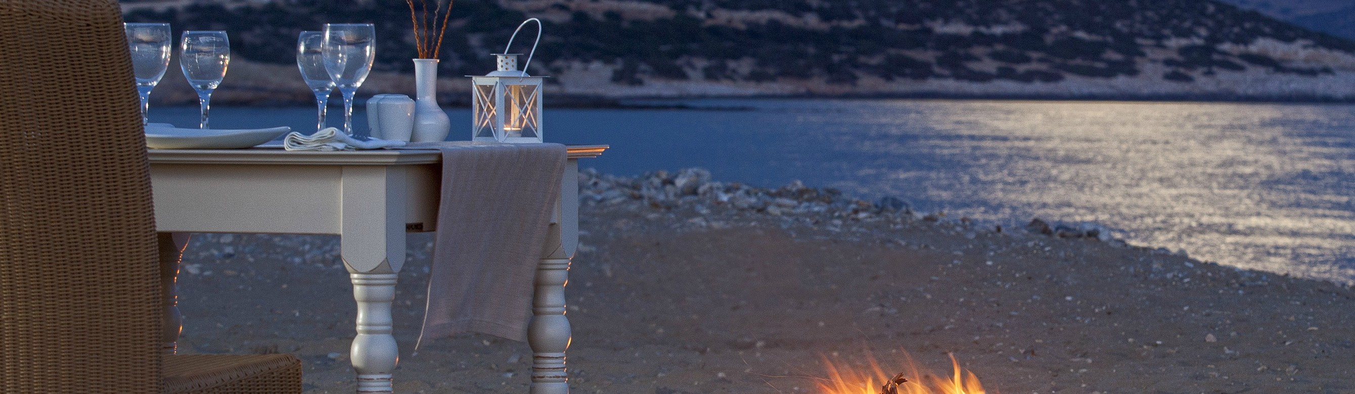 Book your wedding day in Finikas Hotel Naxos